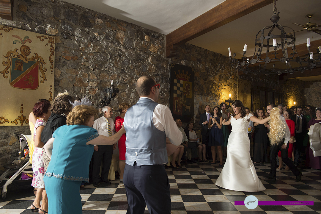 boda-en-huerta-de-valdecarabanos-y-restaurante-olrey-34