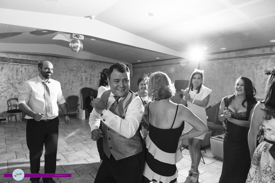 boda-cigarral-de-las-mercedes-y-post-boda-en-aranjuez-33-de-45